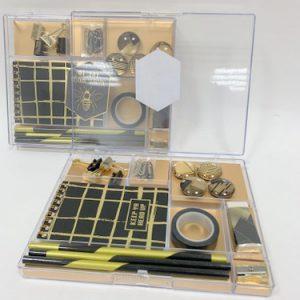 ארגונית + כלי כתיבה+ פנקס זהב שחור