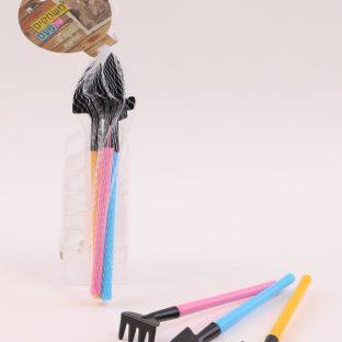 3 כלי לשתילה צבעוניים